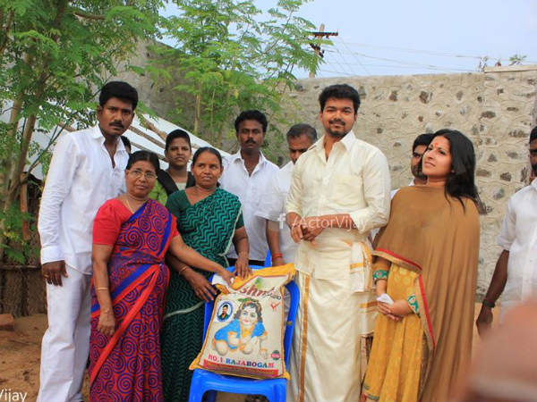 Photos: Vijay's 40th Birthday Celebration Begins - Filmibeat