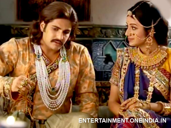 Jalal And Jodha Worried About Rukhaiya