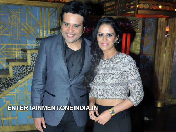 Hosts Mona And Krushna