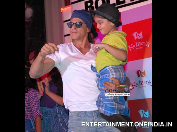 Shahrukh Khan With A Kid