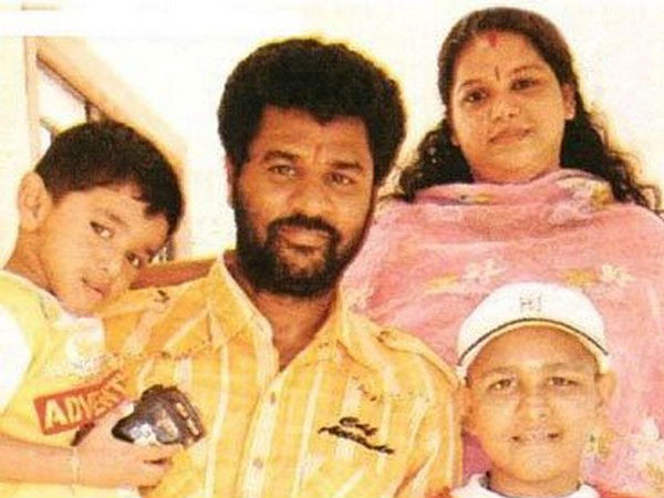 Prabhu Deva With His Family
