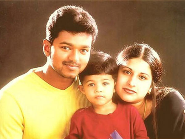 Vijay With His Wife & Son
