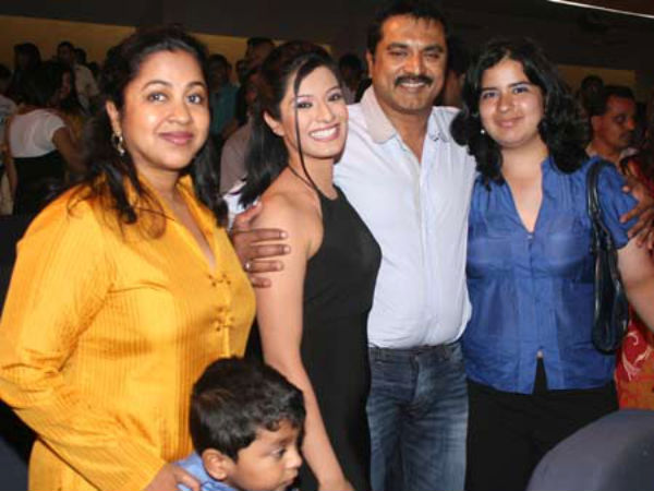 Sarath Kumar With His Daughters