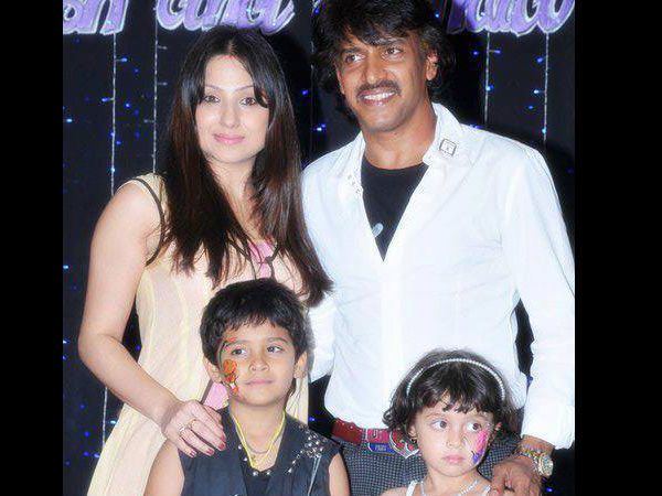 Upendra-Priyanka With Their Kids