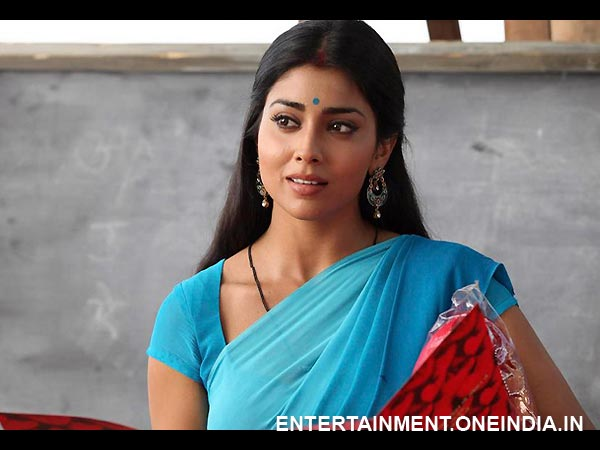 Shriya Saran As Teacher