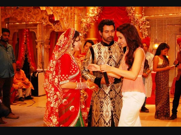 Shraddha COngratulates The Newly Weds