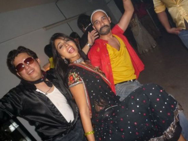 Shriya Saran's Party Pics Leaked