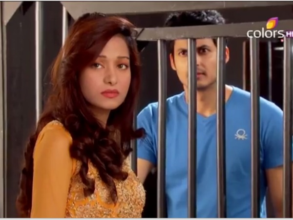 Beintehaa: 19th June; Aaliya Meets Zubair Secretly In the Jail