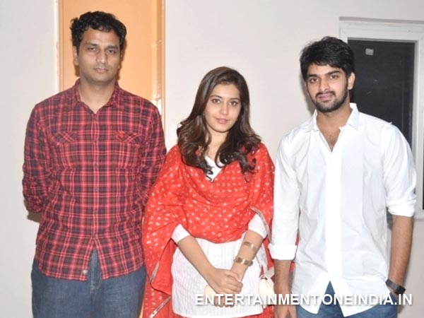Srinivas Poses With Naga Shourya, Rashi Khanna