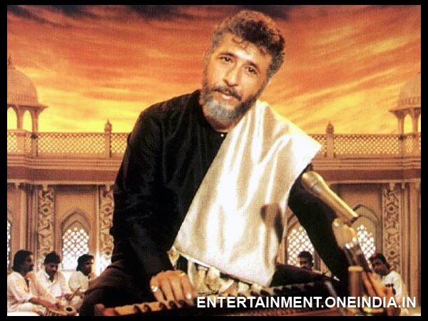 Naseeruddin Shah as Gulfam Hassan in Sarfarosh