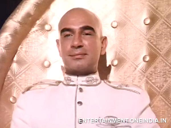 Kulbhushan Kharbanda as Shakaal in Shaan