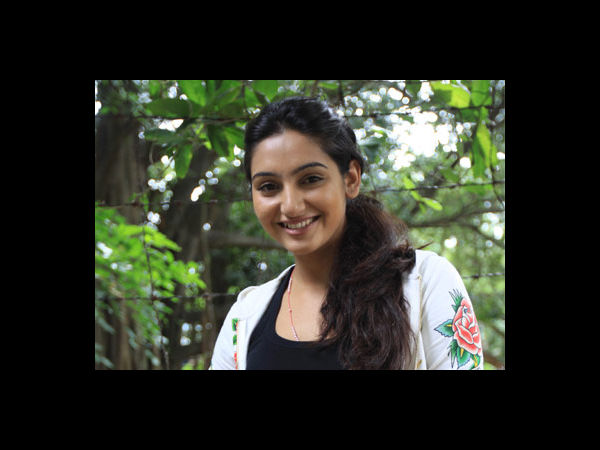 Ragini Dwivedi Without Makeup