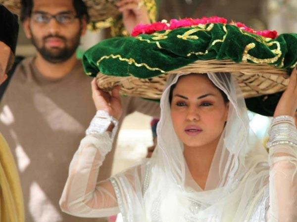 Deepika Padukone And Salman Khan Movie Celebrities Ajmer Shar...