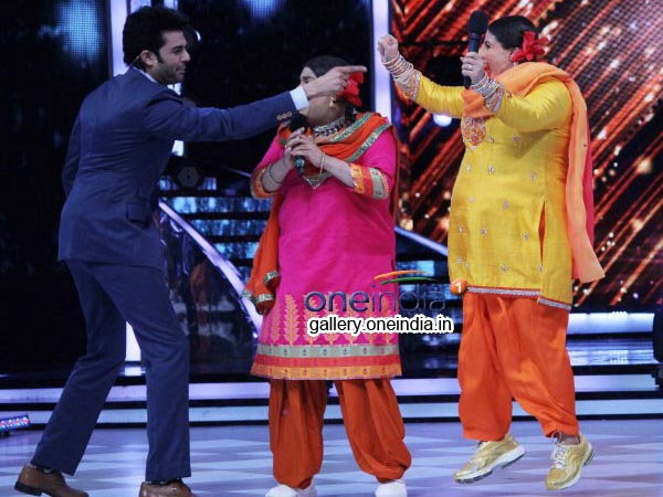Manish Paul WIth Vidya Balan And Kiku Sharda