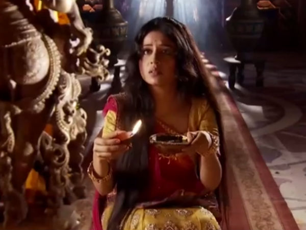 Jodha Senses Wrong