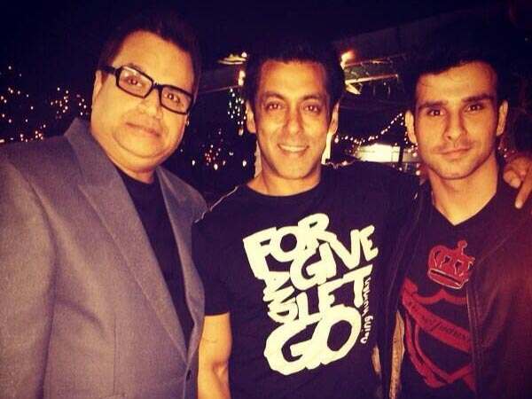 Salman Khan With Girish Kumar