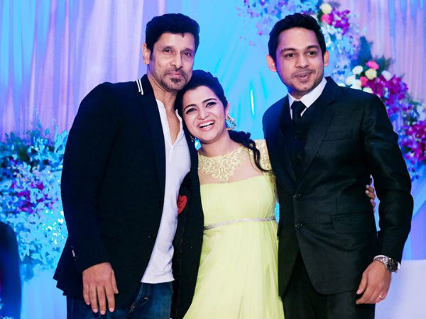 Vikram At VJ Divyadarshini (DD)'s Wedding Reception
