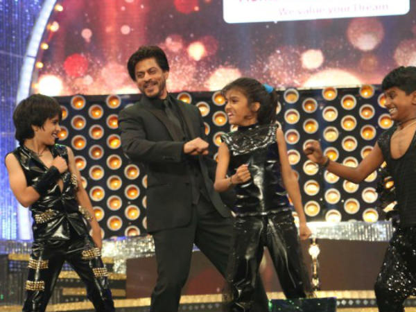 Shahrukh Takes Audience By Storm