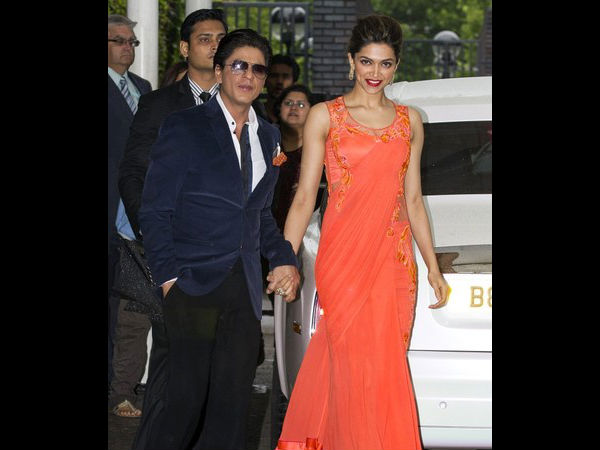 Shahrukh Khan With Deepika Padukone