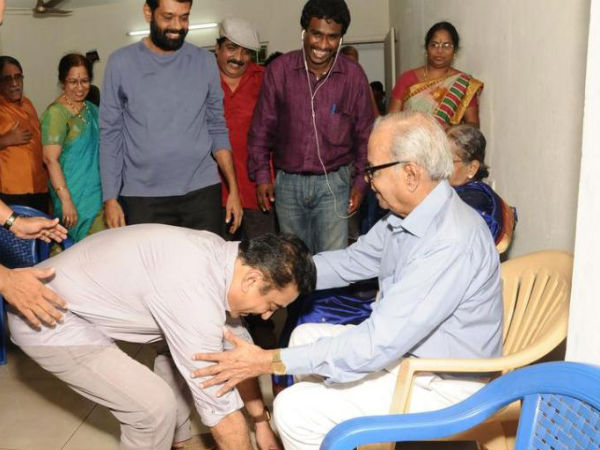Kamal Hassan Seeking Balachander's Blessings