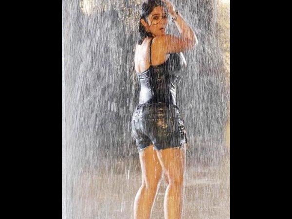 Pics Tamil S Hot Amp Glamorous Actresses Getting Wet In