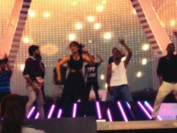 Shruti Hassan's Rehearsal For 61st South Filmfare Awards