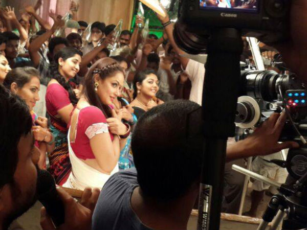 Neetu Chandra On The Sets