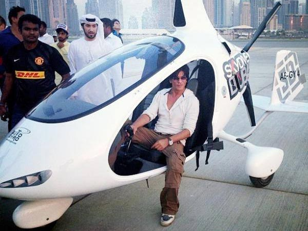 SRK In Chopper