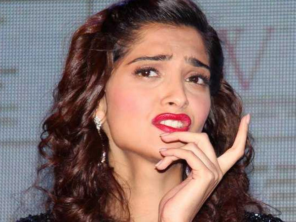 Funny Faces Of Sonam Kapoor Captured