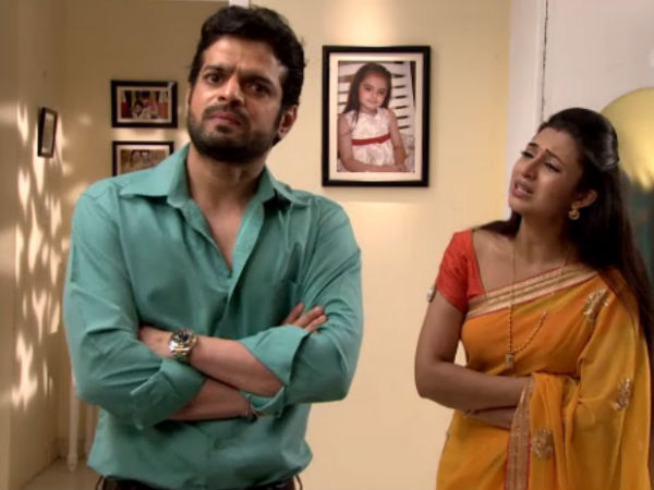 Yeh Hai Mohabbatein: Raman Hurts Ishita By Accusing Her Of Stealing