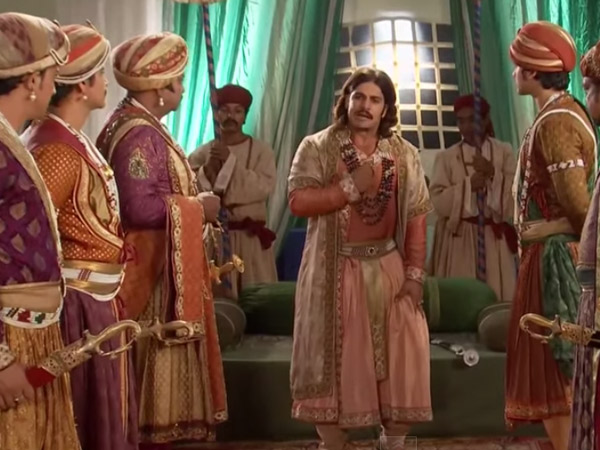 Akbar Thanks His Soldiers