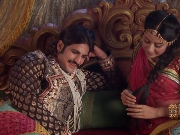 Jodha Akbar: Jodha Is Pregnant With Twins, To Get Kidnapped By Khaibar