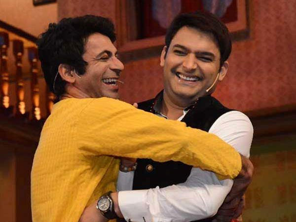 Kapil Sharma Welcomed Sunil Grover In Gutthi Shtyle To Comedy Nights!