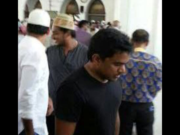 Yuvan Spotted In Masjid