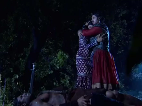 Jodha Hears Khaiber's