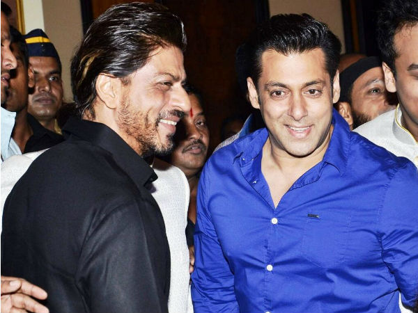 Shahrukh Khan, Salman Khan at the iftaar party