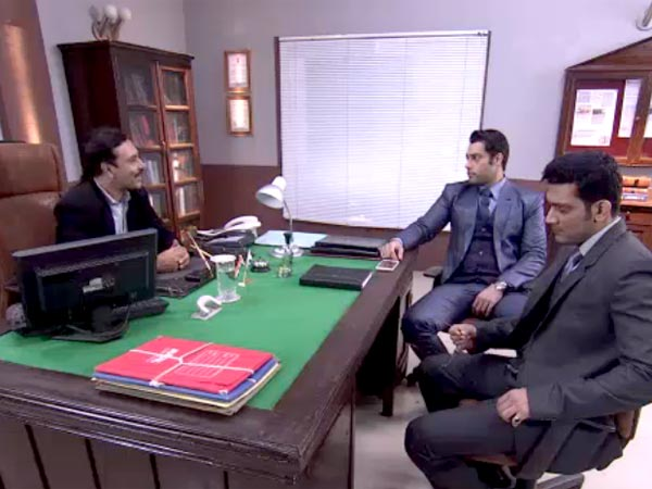 Yeh Hai Mohabbatein: Ashok Files Complaint Against Ishita