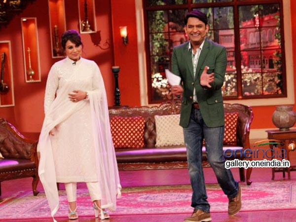 Kapil Applauding Rani