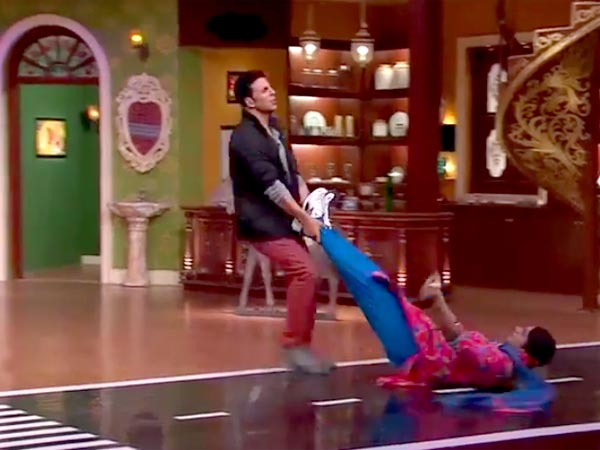 Akshay's Dance With Gutthi