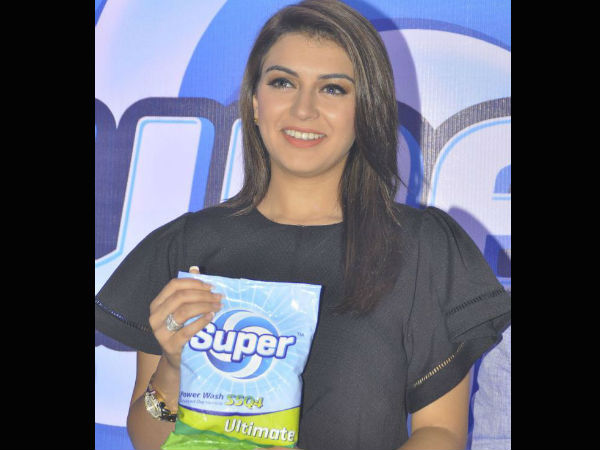 Hansika Motwani Promoting The Detergent Powder