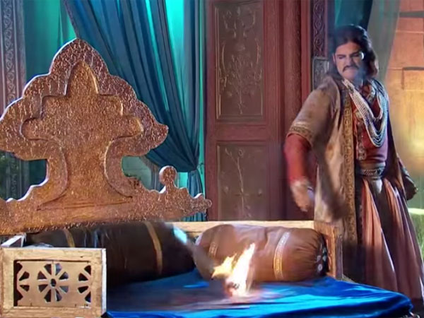 Akbar Blames Throne