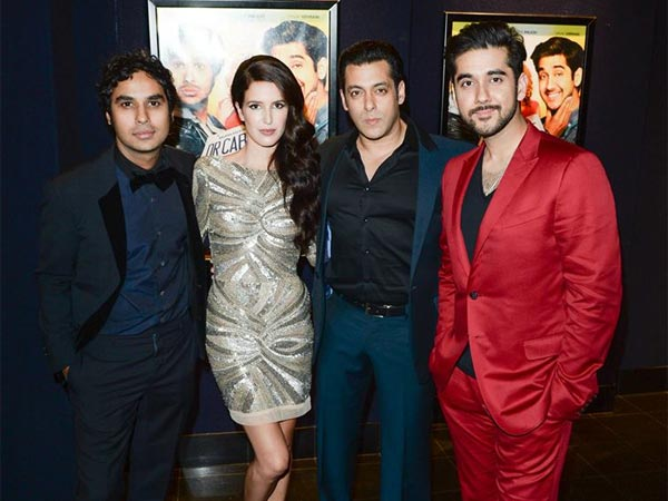 Salman Khan With The Cast