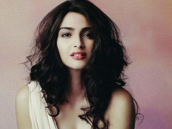 Sonam Kapoor: I Don't Fit In This Industry