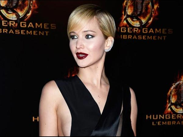 How Jennifer Lawrence De-Stresses Herself?