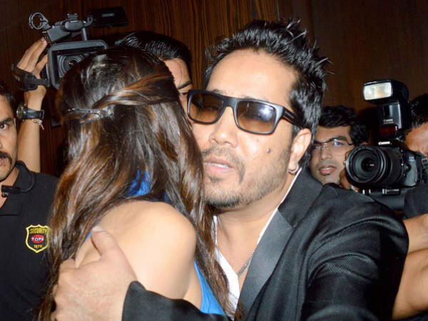 Mika Singh Getting Cozy With Sunny