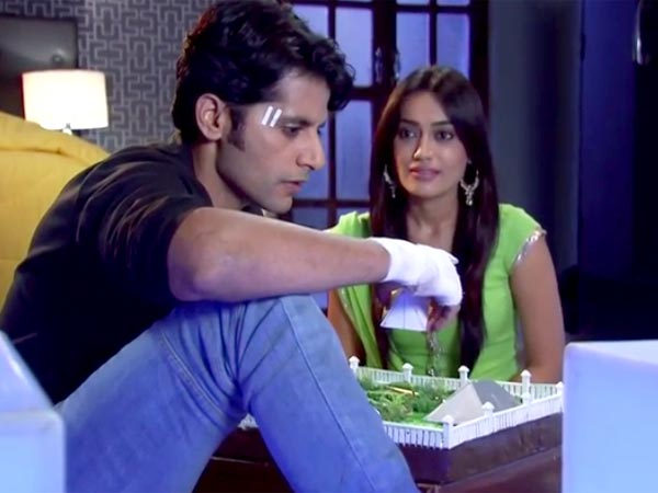 Qubool Hai: Ahil Wants To Be With Sanam, Destroys Papers!