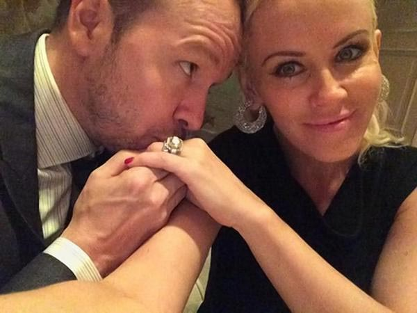 Jenny McCarthy Loses Wedding Ring Weeks After The Marriage
