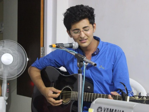 India's Raw Star's Contestant Darshan Raval Sings For Veera!