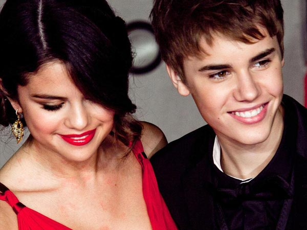 Are Justin Bieber & Selena Gomez Moving In Together?