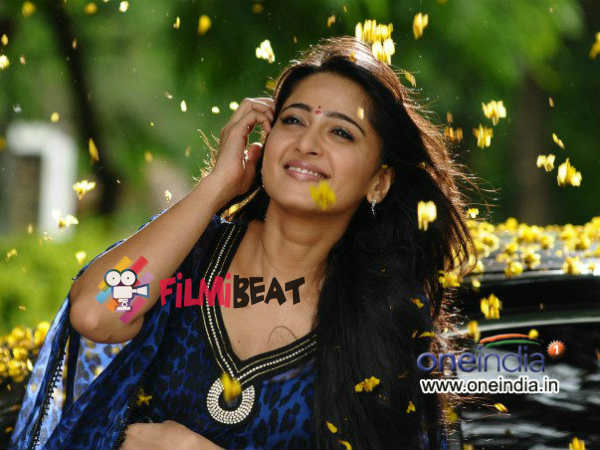 Anushka Shetty To Debut In Bollywood With Juvenile